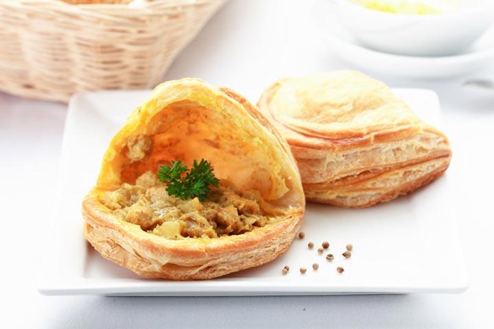 กะหรี่พัฟไก่ - เบเกอรี่อร่อยๆ จาก Puff & Pie ครัวการบินไทย