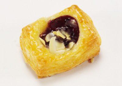 บลูเบอร์รีเพสตรี้ - Puff & Pie เบเกอรี่ และของว่างอร่อยๆ จากครัวการบินไทย